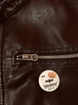 Immagine per Utilizza le spille personalizzate per festeggiare Halloween